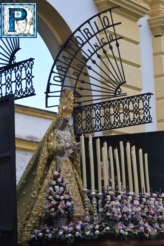 El Rosario de la Aurora de la Esperanza de la Yedra desde el objetivo de Lucas Álvarez