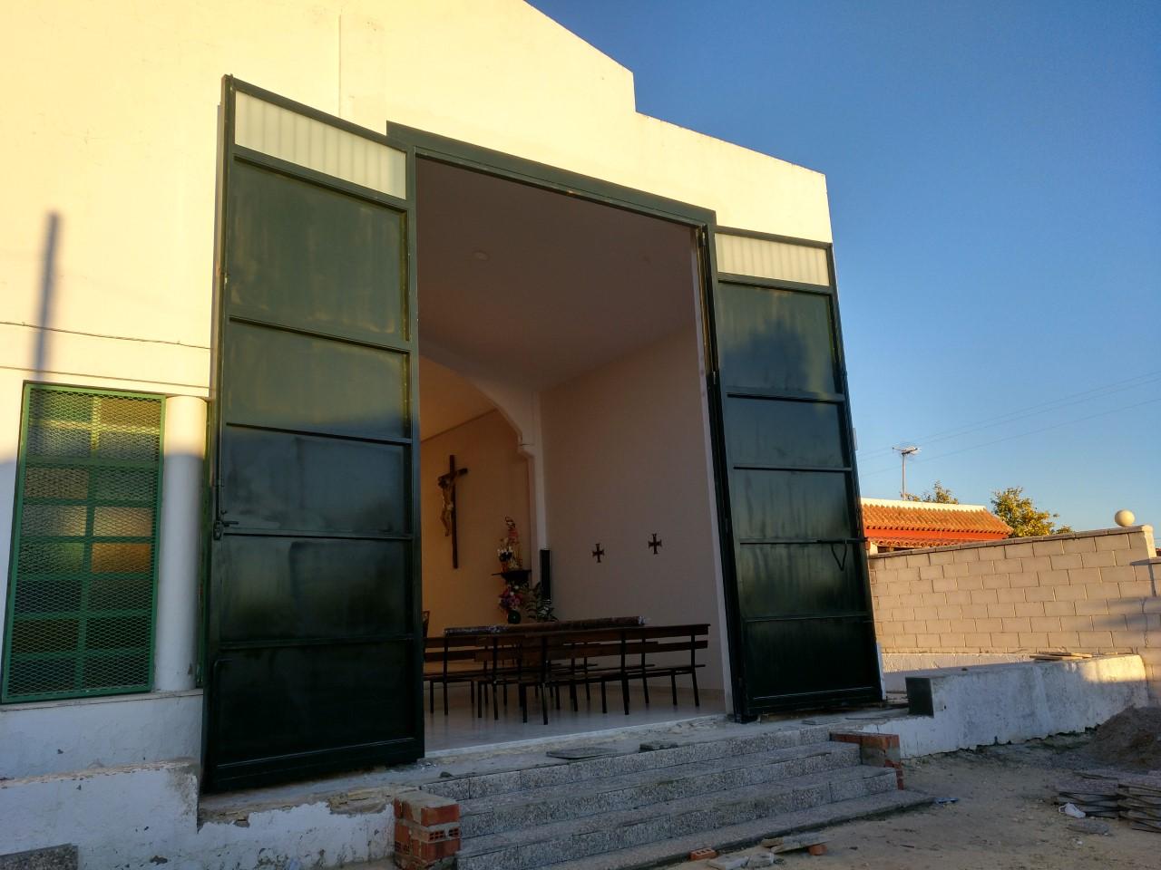 Nueva puerta en Cuartillos de cara a la próxima salida procesional del Señor de la Paz