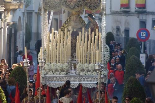 El manto del Desconsuelo volverá a Sevilla
