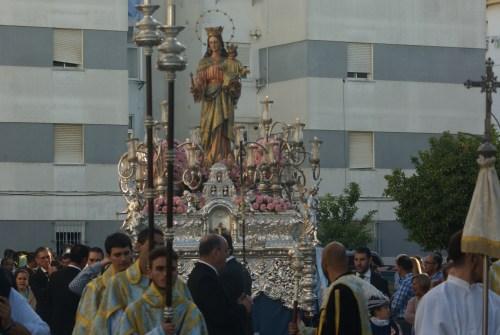 La procesión de María Auxiliadora del Lora Tamayo y el regreso del Rocío desde el objetivo de Lucas Álvarez