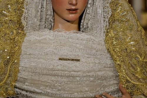 SEVILLA|El Besamanos de la Virgen del Dulce Nombre desde el Objetivo de Benito Álvarez
