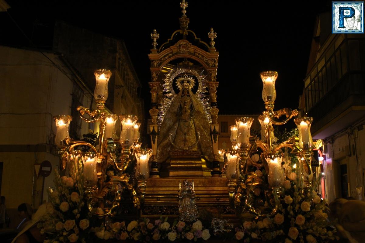 Cultos a la Virgen del Rosario en la Hermandad de la Yedra