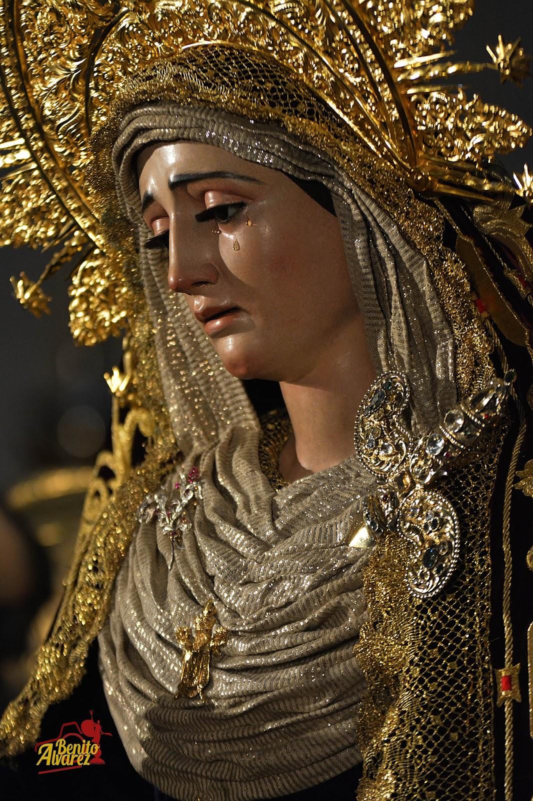 SEVILLA|El besamanos extraordinario de la Virgen de la Victoria desde el objetivo de Benito Álvarez