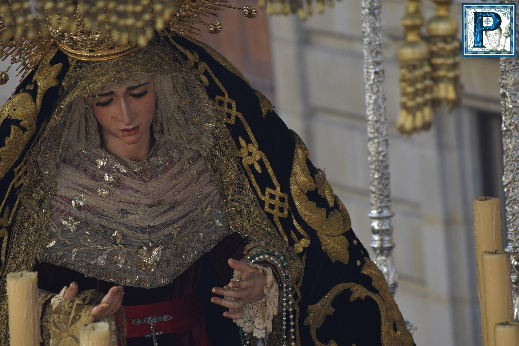 El traslado de la Virgen de la Piedad a la Merced desde el objetivo de Lucas Álvarez