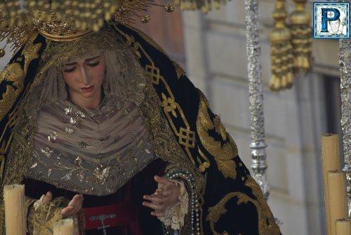 Ofrenda y eucaristía en honor a la Virgen de la Piedad