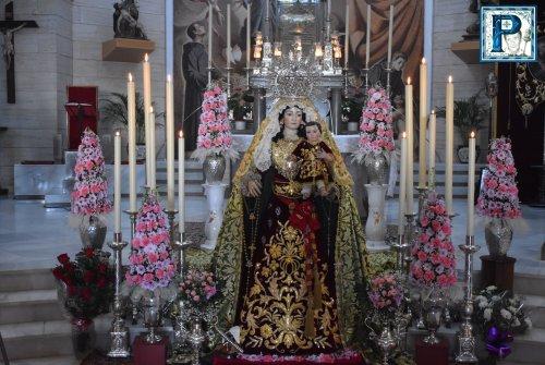 Los besamanos por la festividad de la Candelaria desde el objetivo de Lucas Álvarez