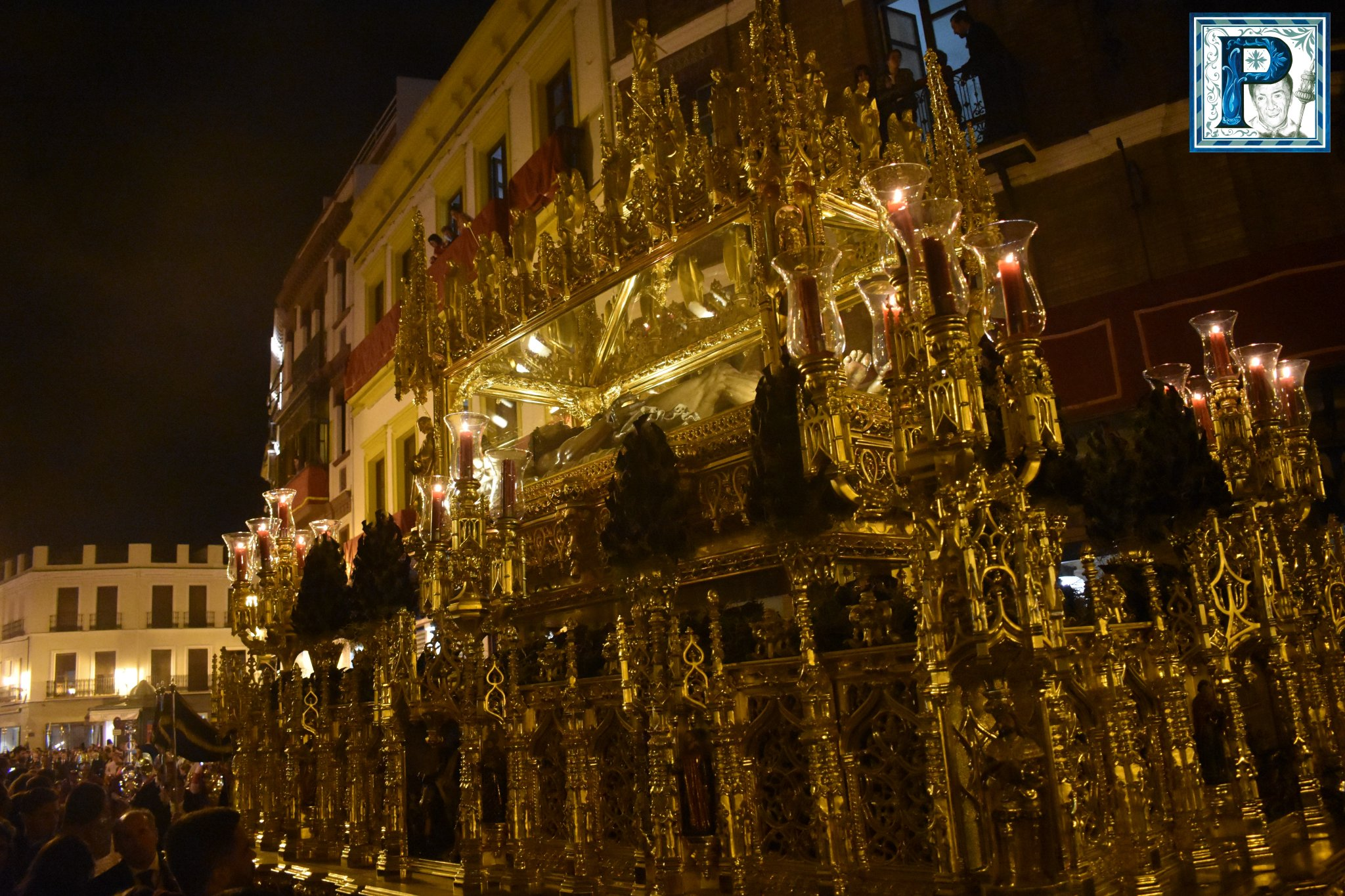 El Sábado Santo de Sevilla desde el objetivo de Lucas Álvarez