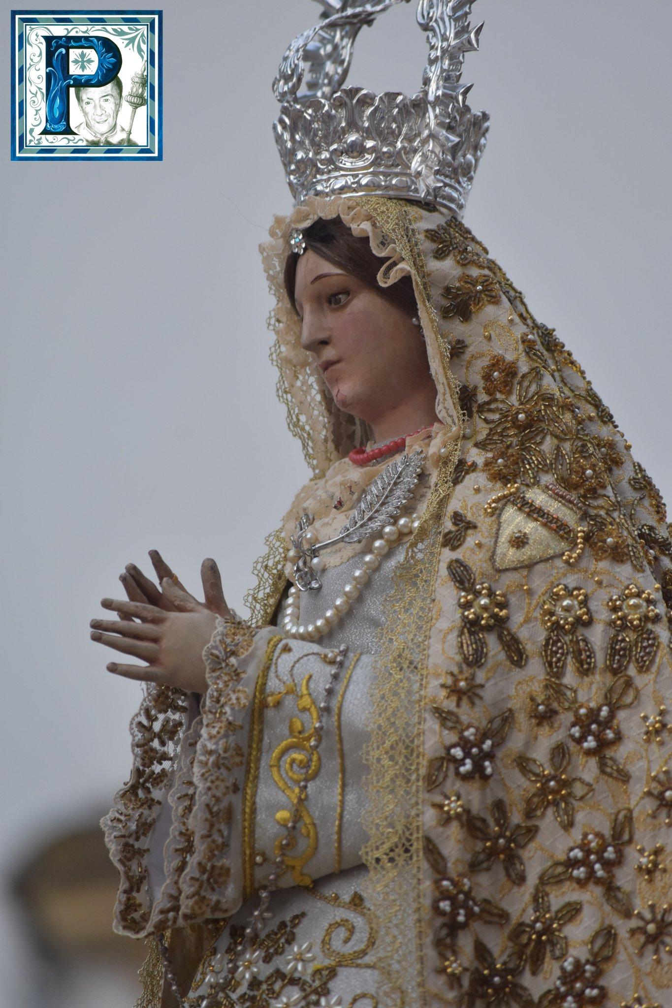 La procesión de la Virgen de la Palma y la Santa Cruz de la Sagrada Lanzada desde el objetivo de Lucas Álvarez