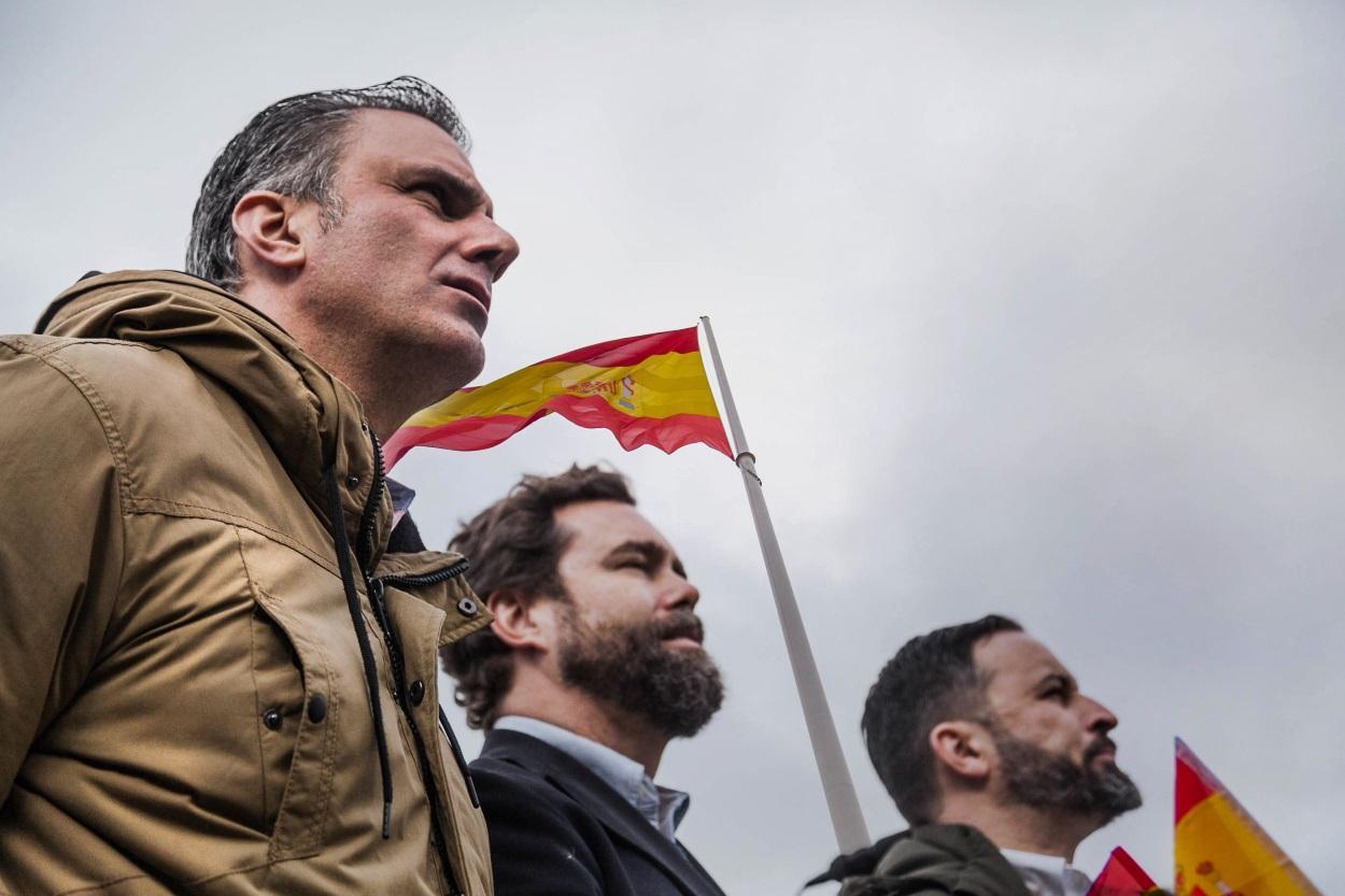 Ortega Smith, Espinosa y Santiago Abascal en la manifestaicón de Colón
