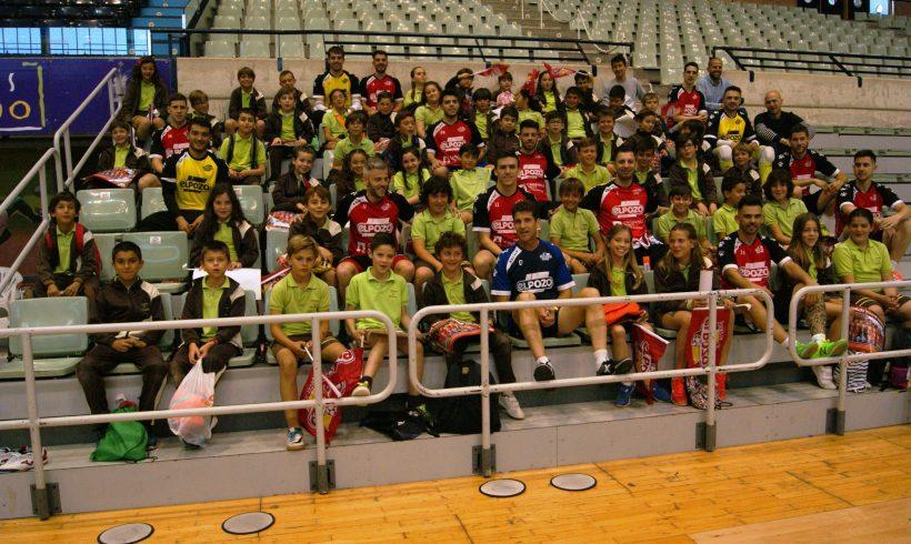 ElPozo al Cole| Los alumnos del Colegio Vistarreal visitan a la plantilla de ElPozo Murcia