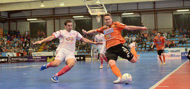 ElPozo Murcia se adelanta en la eliminatoria de Cuartos al ganar 3-8 al Burela