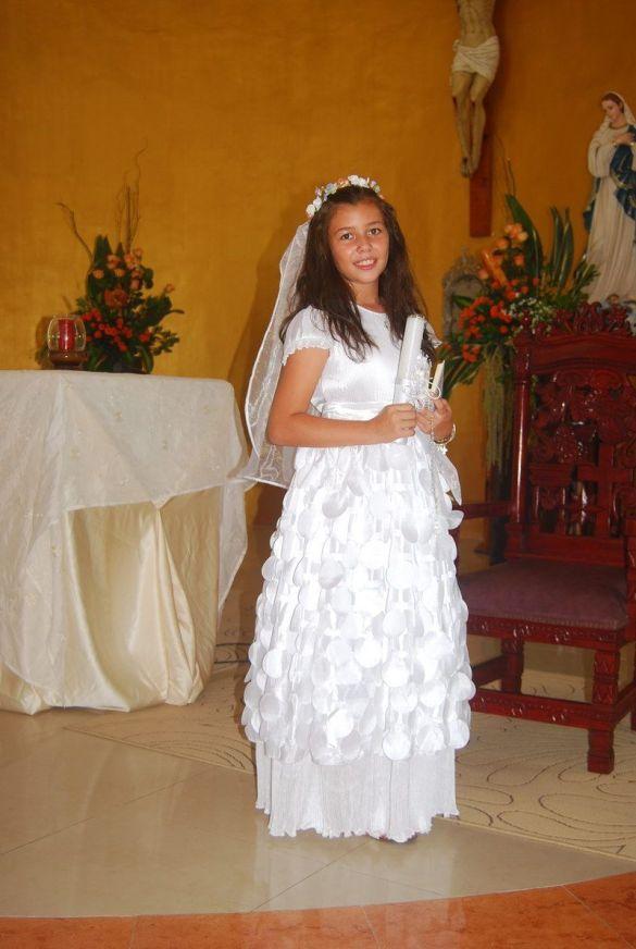 Así lucio Sedna Muñoz Gough el dia de su primera comunión en la iglesia del Seminario Menor.