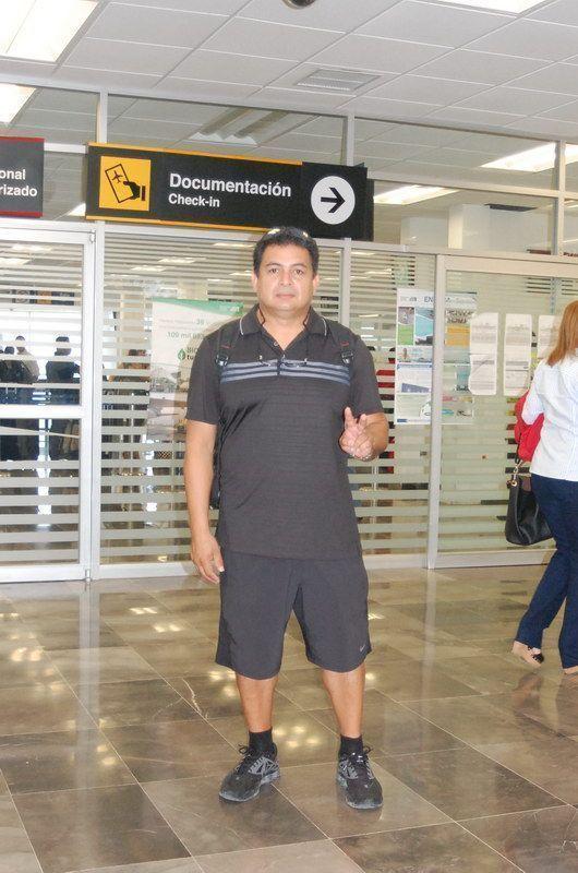Roberto Tinoco ORIGEN: Chetumal Quintana Roo DESTINO: México Distrito Federal MOTIVO: Viajo para apoyar a sus arqueros del Club Tucanes en el Nacional de Exteriores que se está efectuando del 23 al primero de marzo.