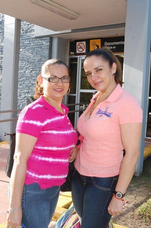 Liliana y Verónica Magaña García ORIGEN: Chetumal Quintana Roo DESTINO; México Distrito Federal MOTIVO: viajaron para visitar a sus familiares por espacio de dos días.