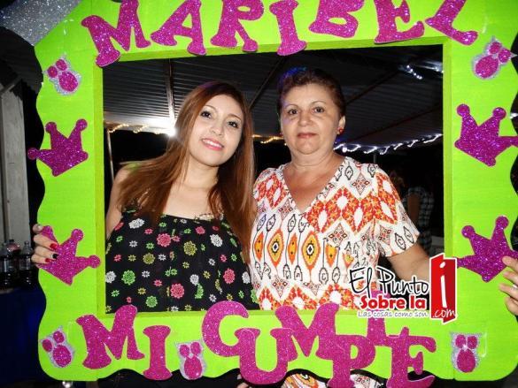 Maribel en compañía de su mamá, Rita Cortazar Medina