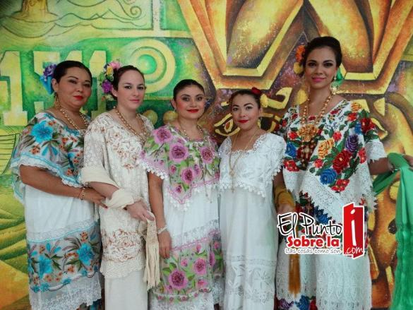 Milagros Basulto, Valeria González Cabrera, Karen Barquet Cruz, Maritza López de Borges y Abril Quiñes Polanco