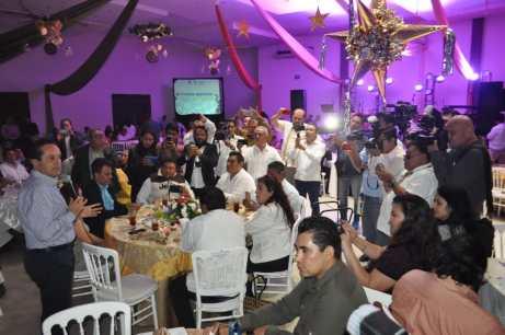 El gobernador del Estado Carlos Joaquín Gonzales al momento de hacer uso de la palabra para desearles Feliz Navidad y Próspero año nuevo a los medios de comunicación de la zona sur.