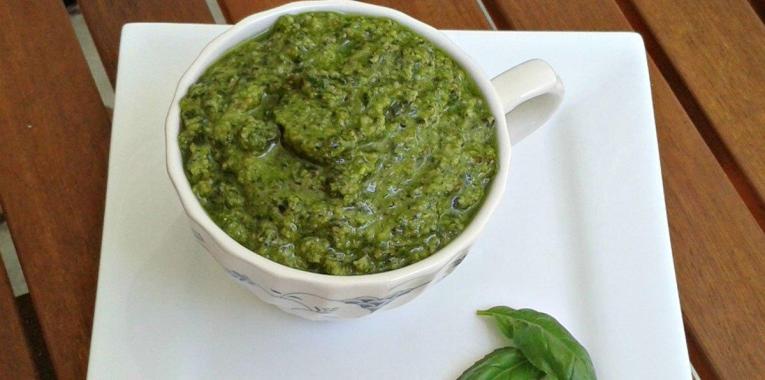 Salsa Pesto Hecha en Casa