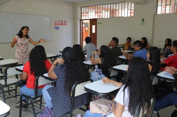 Estudiantes universitarios de UNP pueden postular a Beca Permanencia del PRONABEC
