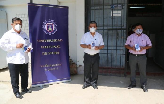 Alumnos de escasos recursos económicos de Universidad Nacional de Piura recibirán teléfonos móviles