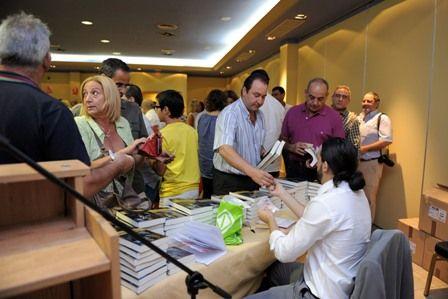 Fotografía del acto de presentación del libro El Reino de las Sirenas en el Hotel Montera Plaza el 7 de octubre de 2011