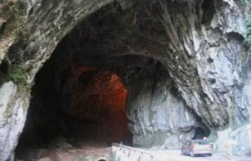 Cuevona de Cuevas del Agua, Ribadesella
