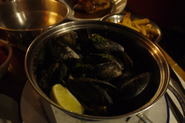 Herb & garlic moules: Sage, thyme, rosemary, garlic and butter
