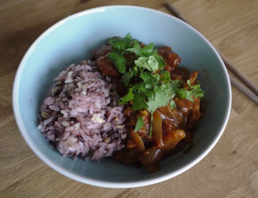Rice bowl with tomato and coriander