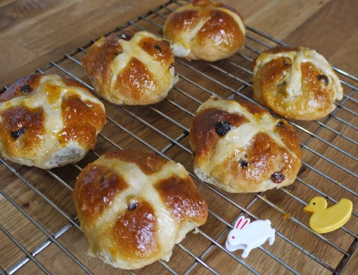 Pear and cardamom hot cross buns recipe - Elsa Eats