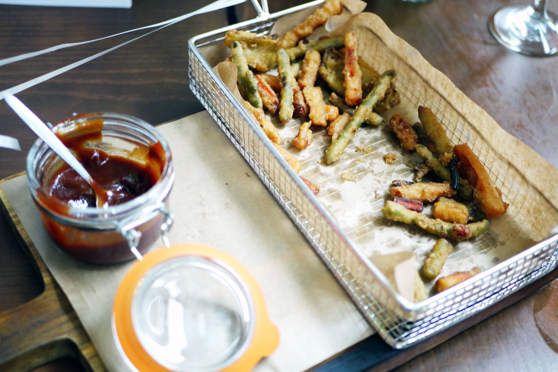 Crispy tempura vegetables with Virgin Mary ketchup (v) £4.29