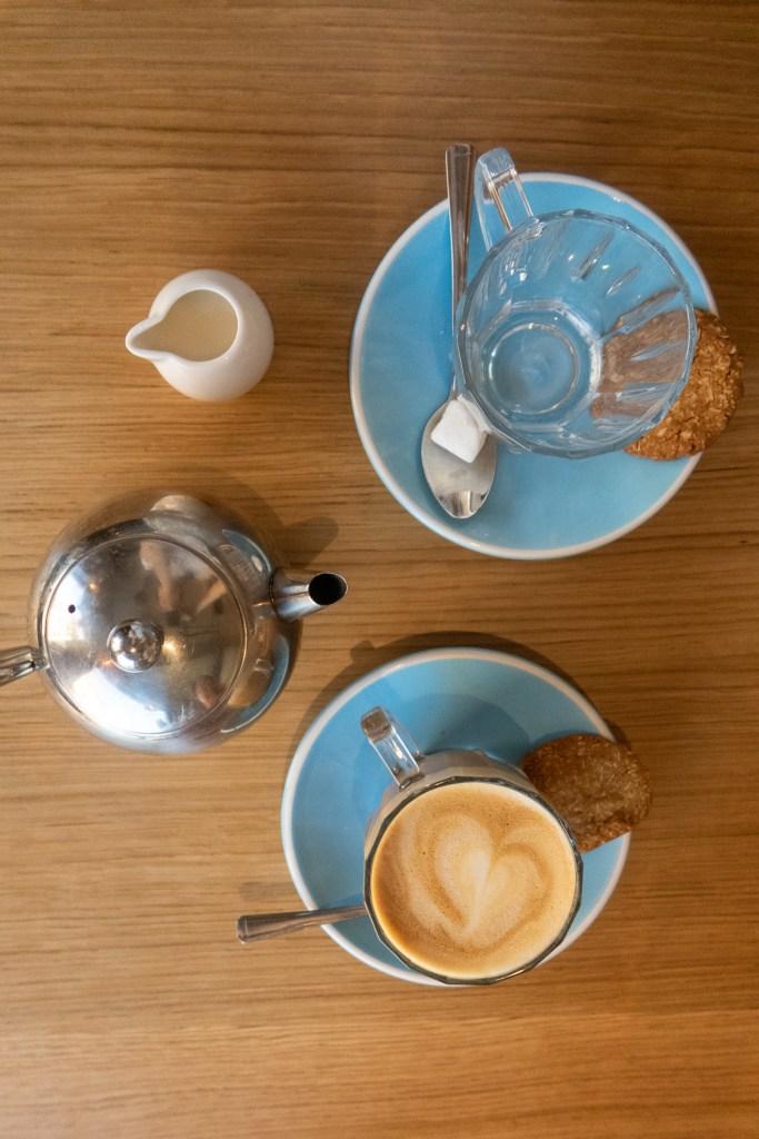 Albert's Schenke latte and tea