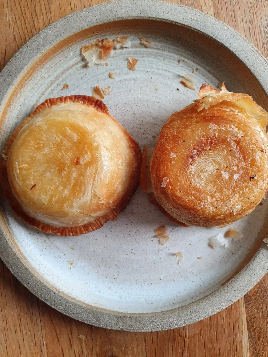 Portuguese tarts: Lidl on the left, Just Natas on the right. Bottom comparision
