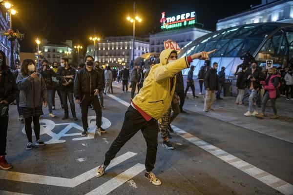 Manifestación en Madrid contra el encarcelamiento del rapero Pablo Hasél. - 13