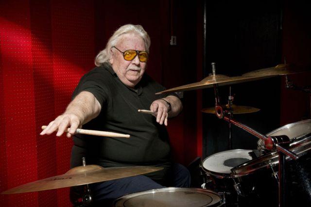 Fallece el baterista LEE KERSLAKE a los 73 años
