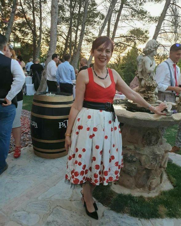Nueva fotografía con top y falda de elsecretodecarol.com. ¡Gracias por compartirla!