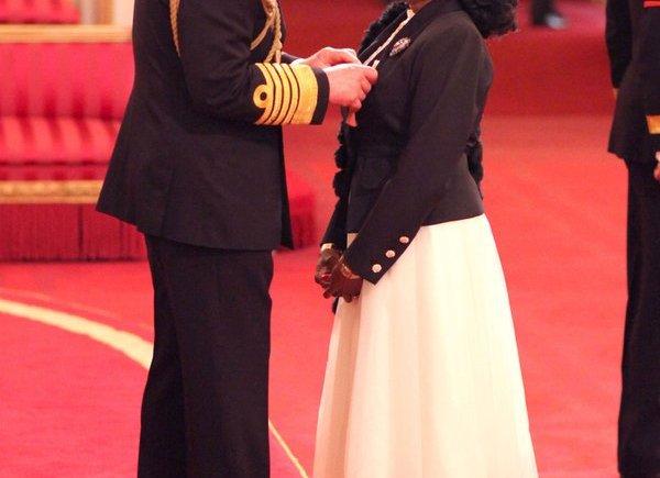 Nigerian British Singer, Patti Boulaye Gets O.B.E. From HRH Prince Charles