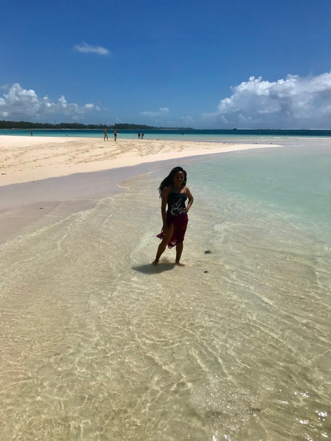 Elsie Godwin in Lux Belle mare Beach - Mauritius - elsieisy blog