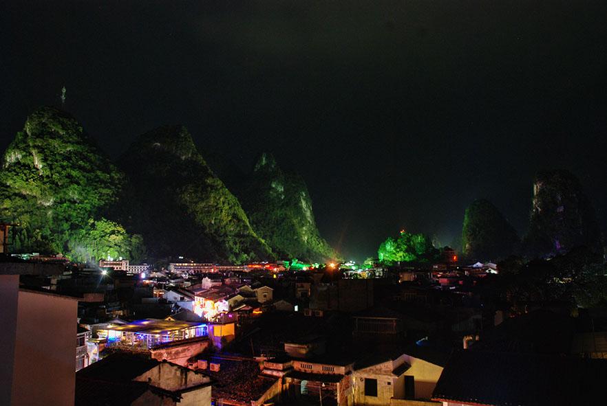 Yangshuo bij nacht, uitzicht Mojo