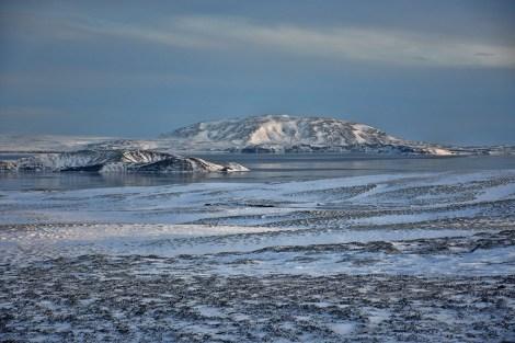 Het bevroren meer in Thingvellir National Park IJsland