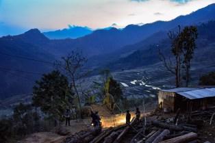 Uitzicht over de vallei bij het eten Tupche Nepal