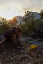Vrijwilligerswerk voorbereiden voor bouwen bij zonsopkomst Nepal