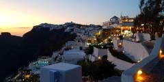 السياحة في جزيرة سانتوريني اليونانية