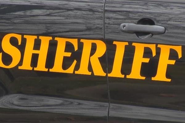 Sheriff acusado de publicar informes