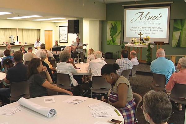 Iglesia en Ohio realiza vigilia por inmigrantes