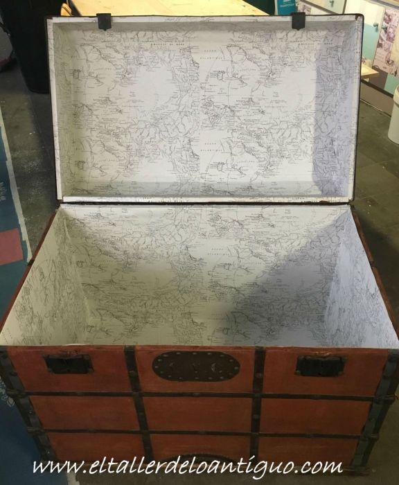 forrado del interior restauración de un baúl de tejido gutapercha