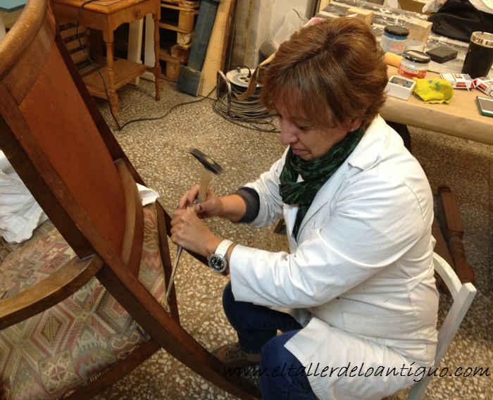 2-Pintamos-un-sillon-ingles