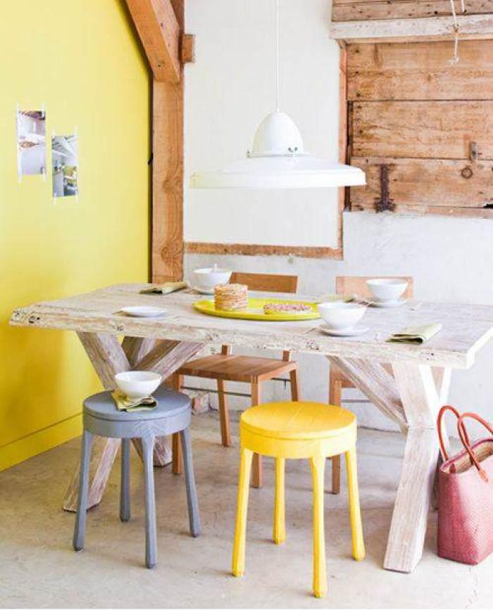 4-Mesas-y-sillas-de-colores