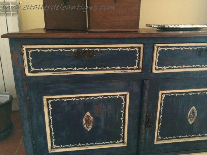 17-Pintura-decorativa-en-un-mueble-ingles