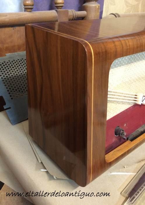 4-reproducir-boton-de-radio-antigua