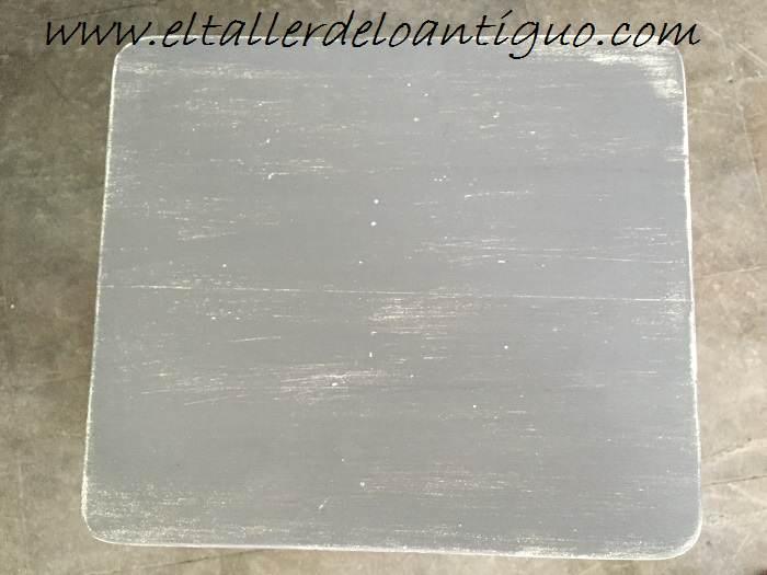 7-Taburete-en-decape-blanco-y-topo-marypaint